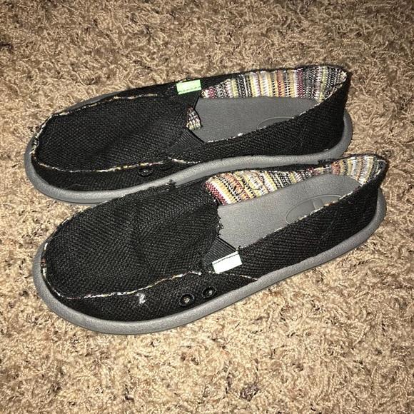 Sanuk Shoes | Womens Black Sanuks